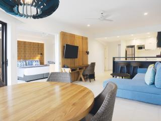 1 or 2 Bedroom Suite