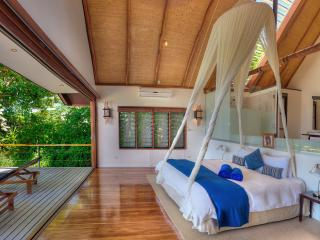 Premium Plunge Pool Vale - Bedroom