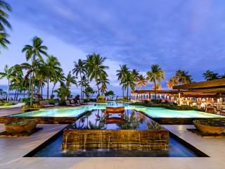 [Image: sheraton-fiji-swimming-pool-48069-thumb.jpg]