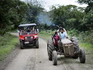 Off-Road Cave - Farmers