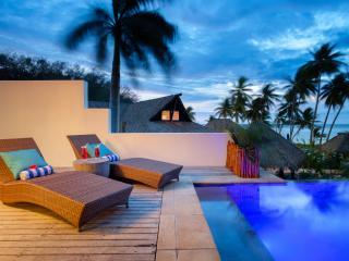 Honeymoon Pool Bure